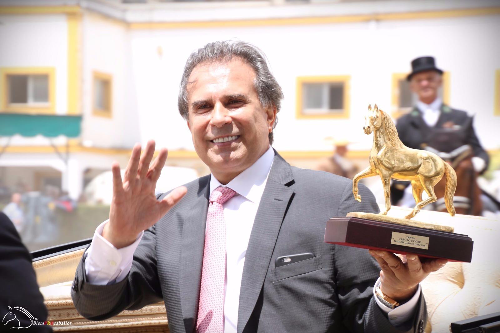 Ceremonia de entrega del Caballo de Oro 2016 a D. ABELARDO MORALES.